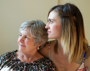 Simple Steps For Encouraging Close Bonds Between Care Home Residents & Their Families