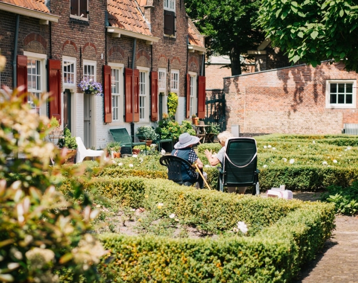 Five Benefits Of Gardening For People With Dementia